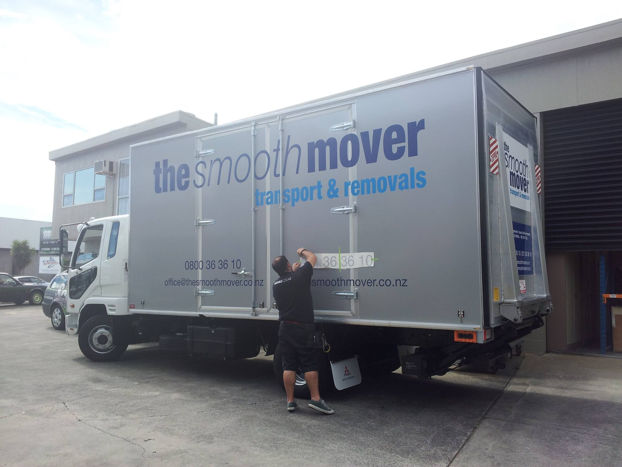 77 Office Furniture Removal Auckland Moving Company